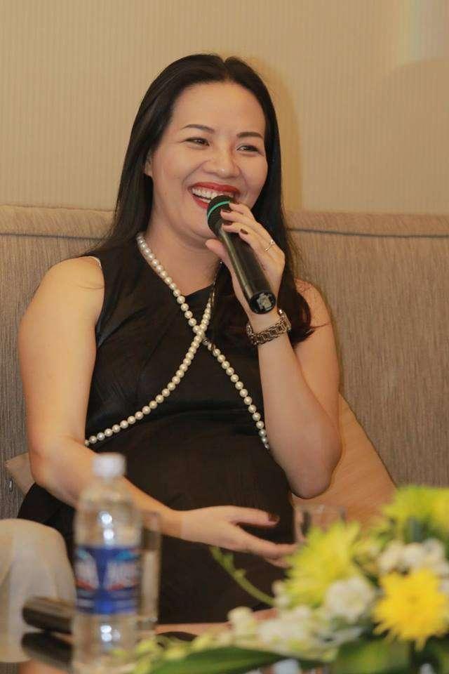 Chị Jenny - cũng là Cựu thành viên sáng lập Hội quán các bà mẹ cùng các hoạt động xã hội, vì cộng đồng những năm về trước khiHo65i quán mới thành lập