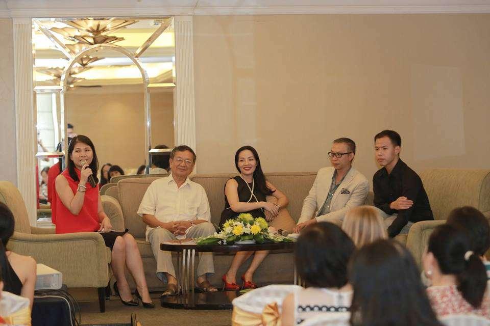 Các khách mời diễn giả bàn luận sôi nổi và đưa ra quan điểm cá nhân mình về cái đẹp của người phụ nữ