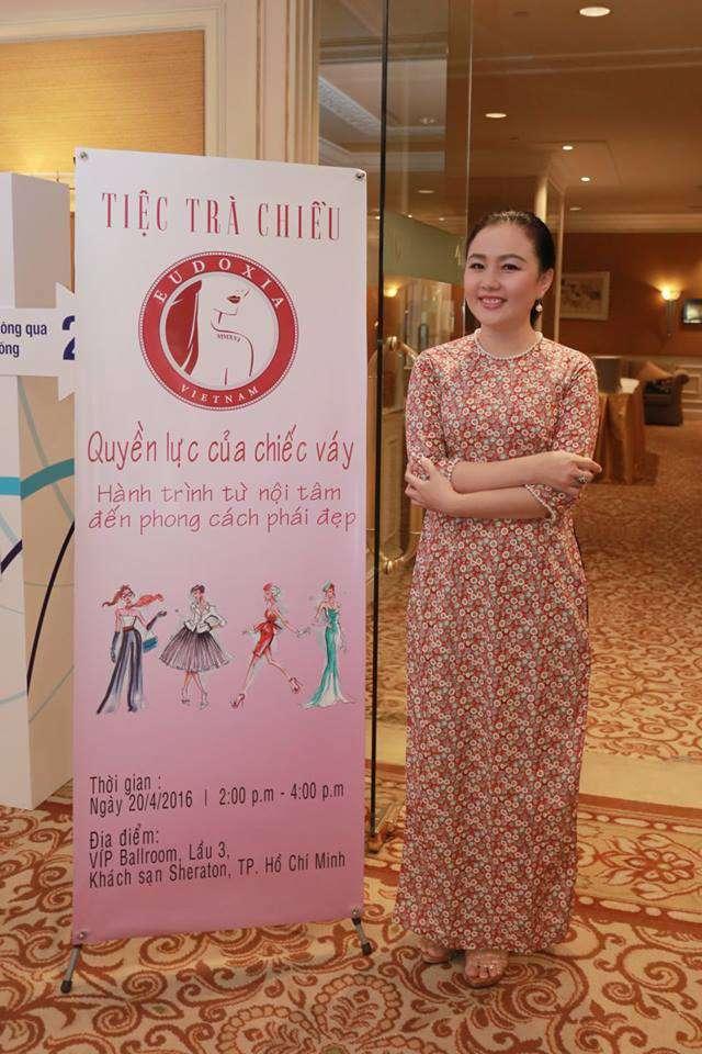 Nữ doanh nhân Minh Đăng luôn xuất hiện tại các sự kiện với áo dài là phong cách riêng đến từ khá sớm