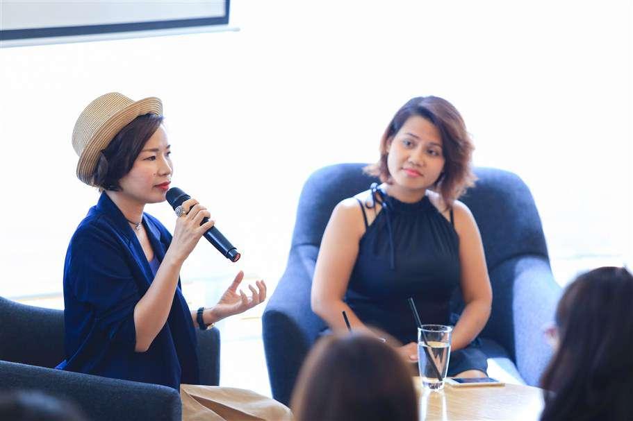 Chuyên gia Thảo Jaly chia sẻ chân tình với chị em phụ nữ từ học hỏi, trải nghiệm của chính bản thân mình với sự dẫn dắt nhẹ nhàng của chị Minh Thy, đại diện của nest by AIA