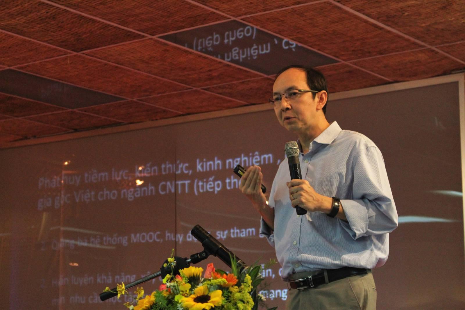 ẢNH 3 Tri thức kiều bào trình bày chuyên đề tại hội thảo