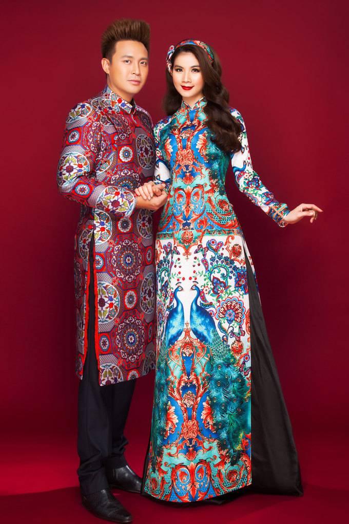 Vợ chồng Kha Ly - Thanh Duy diện áo dài đôi tình tứ