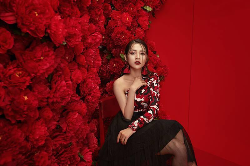 Mặc chê bai, Chi Pu tiếp tục tăng tốc trong loạt dự án với vai trò diễn viên - ca sĩ - Hình 2