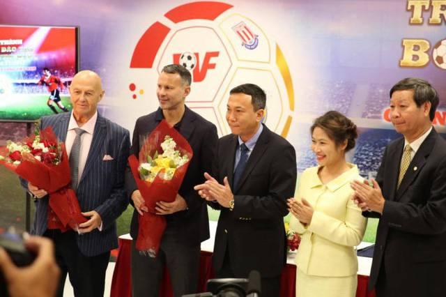 Danh thủ Ryan Giggs được ông Phạm Nhật Vượng mời làm Giám đốc Trung tâm đào tạo bóng đá trẻ PVF