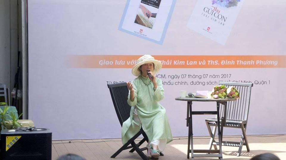 """""""Thu Quyến Rũ""""- """"Với chiếc áo dài, mọi phụ nữ Việt đều bình đẳng trong sắc đẹp!"""""""