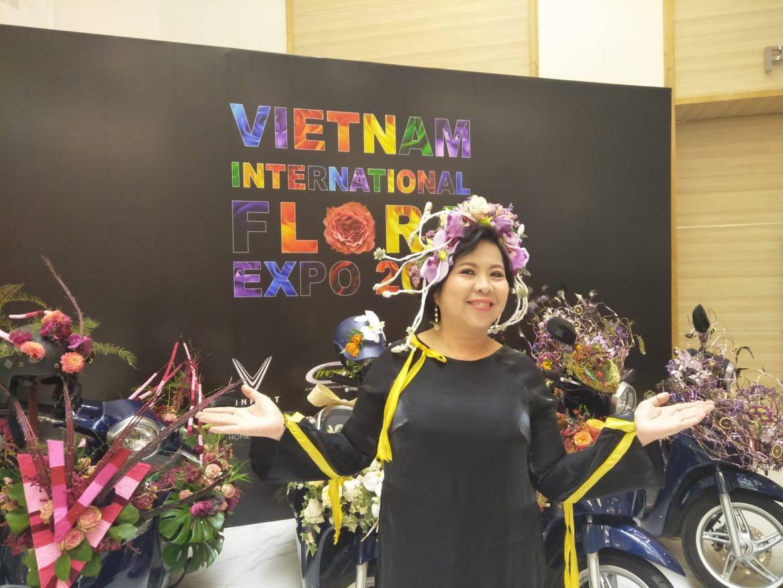 Bà Mai Hoa – Chủ tịch VIFE 2019: Tâm huyết với ngành thiết kế hoa Việt